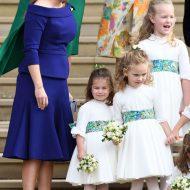 la princesse princesse beatrice en une robe indigo de ralph russo